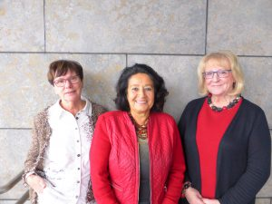 Ein Teil des Vorstands des IKE Remscheid: die zweite Vorsitzende Dolores Johann, die erste Vorsitzende Erden Ankay-Nachtwein sowie die Beisitzerin und ehemalige Geschäftsführerin Elke Wende (von links). Foto: © IKE Remscheid