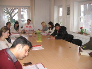 Gemischter Deutschkurs des IKE Remscheid im Stadtteilbüro Rosenhügel. Foto: © IKE Remscheid