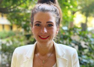 Portraitfoto der Fachkraft Teilhabeberatung Laura Benemann von der Ergänzenden unabhängigen Teilhabeberatung Duisburg des Paritätischen NRW