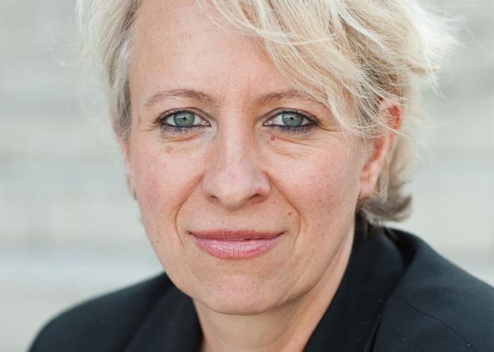 Portraitfoto von Stefanie Frenzer, Trainerin für systemische Führungskompetenz. Foto: